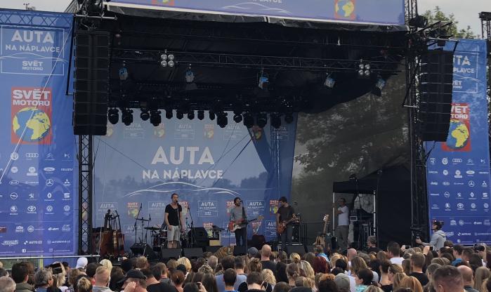Schwarze Bühne und Truss 12x10m zu vermieten Österreich