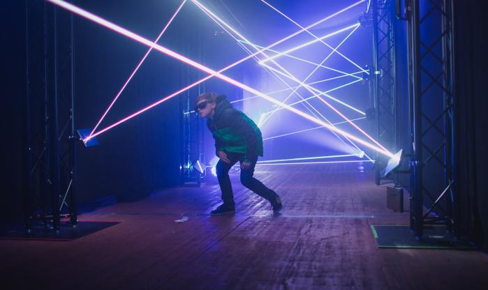 Mobilní Laserové bludiště